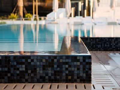 Infinity pool tile