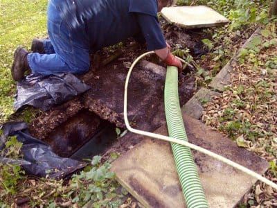 professional septic tank pumper cleaning residential tank