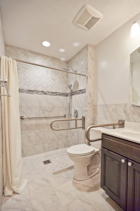 handicap accessible bathroom using universal design principles