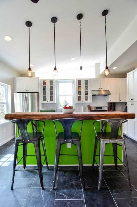 Kitchen with industrial decor and design
