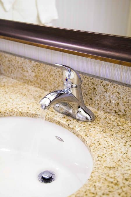 sink faucet with clean aerator