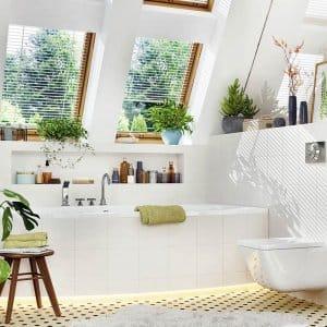 Luxury bathroom with bathtub and shower (Photo by slavun - stock.adobe.com)