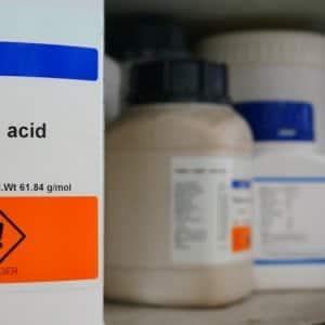 Bottle of Boric acid, H3BO3 with Properties information and its chemical hazard warning symbols, Inhalation hazard symbol (Photo by mewaji - stock.adobe.com)