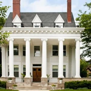 Colonial style house (Photo by JenniferPhotographyImaging /  E+ via Getty Images)