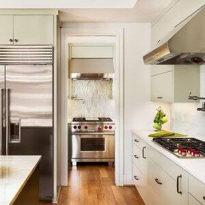 kitchen with modern appliances (Photo by hikesterson/ iStock / Getty Images Plus via Getty Images)