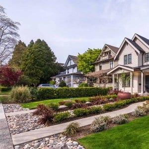 Nicely landscaped yards (Photo by karamysh - stock.adobe.com)