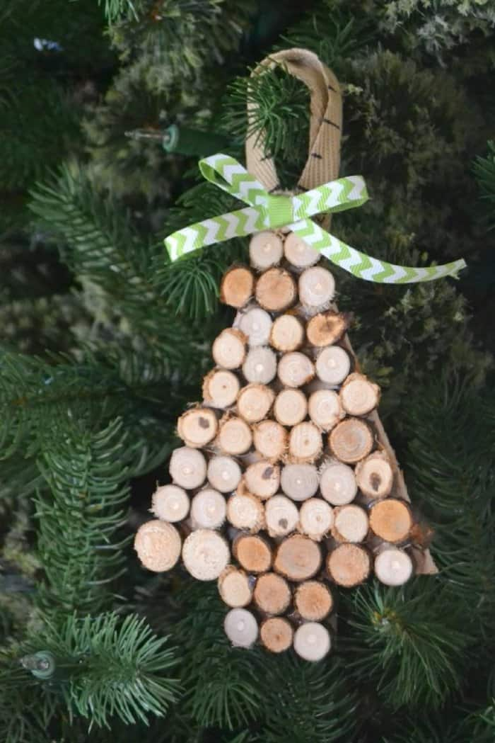 Make a rustic Christmas ornament out of wood slices. (Image courtesy of My Creative Days)