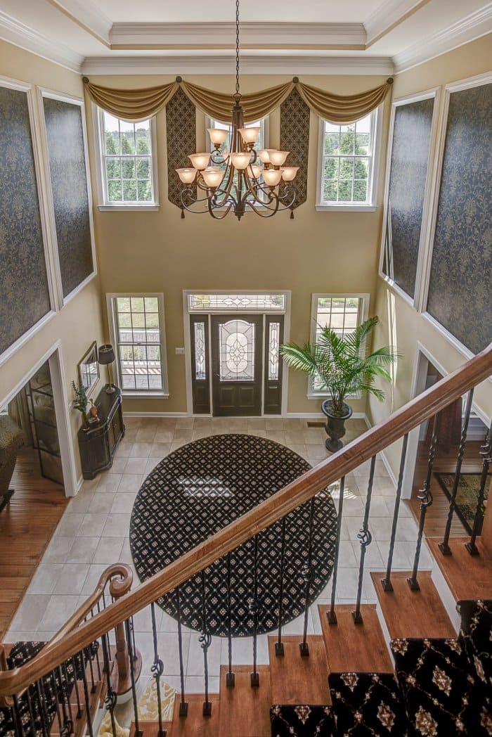 grand decorated home foyer