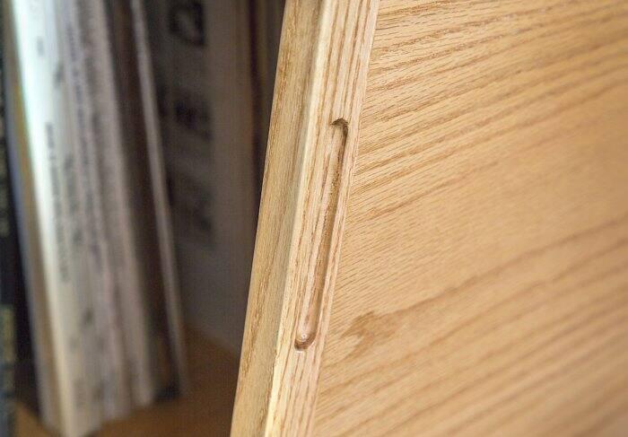 tv table finger groove detail