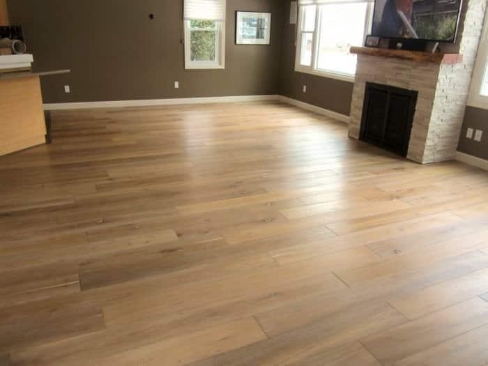 White oak floor between kitchen and greate room