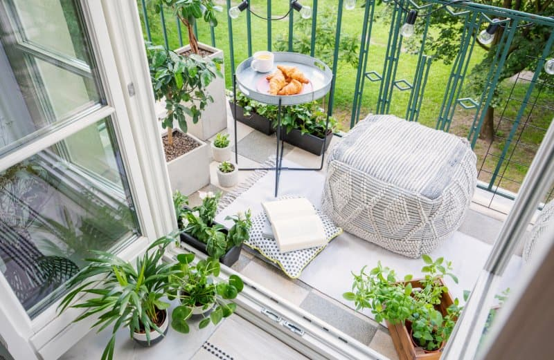 backyard outdoor patio garden  (Photo by KatarzynaBialasiewicz/iStock via Getty Images)