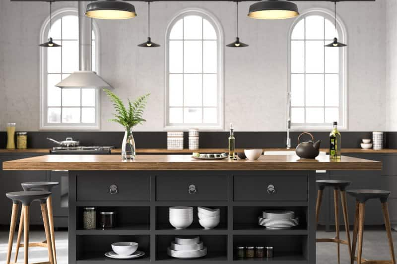 black and brown modern kitchen decor (Photo by CNelleG via Getty Images )