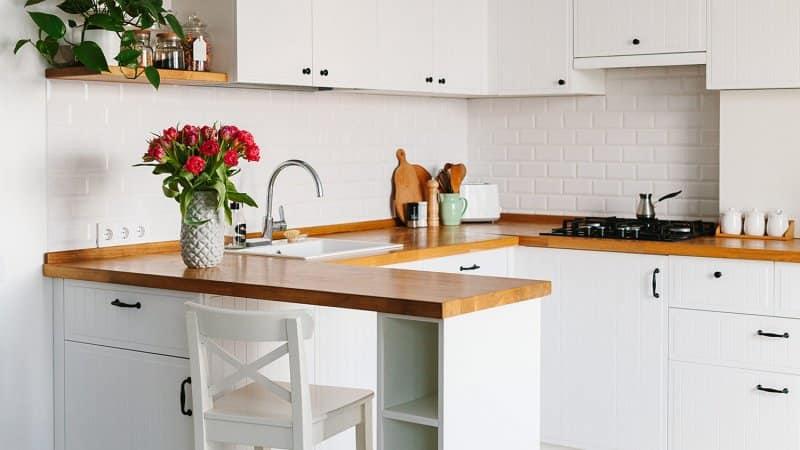 Butcher block counters (Photo by Sweetlaniko - stock.adobe.com)
