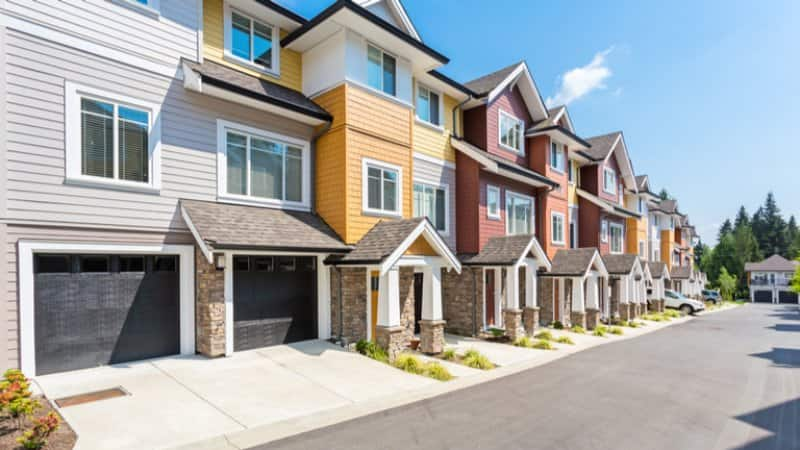 Row of colorful townhomes (Photo by rawmn/Shutterstock)