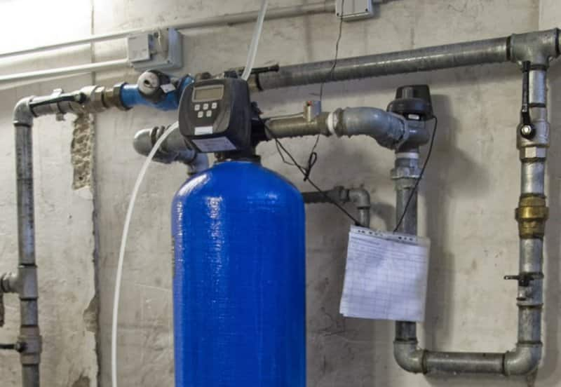 Home water softner (Photo by Lineas 1703 / iStock / Getty Images Plus / Getty Images)