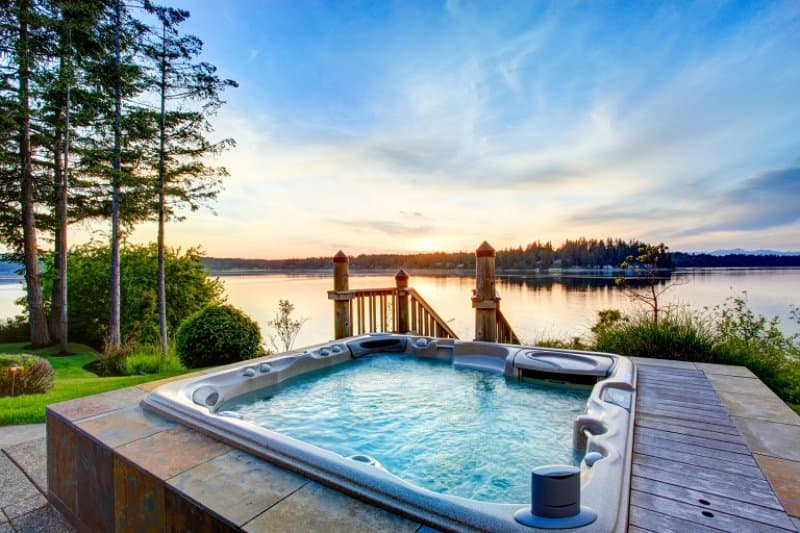 Hot tub with water view (Photo by © irina88w / iStock / Getty Images Plus / Getty Images.)