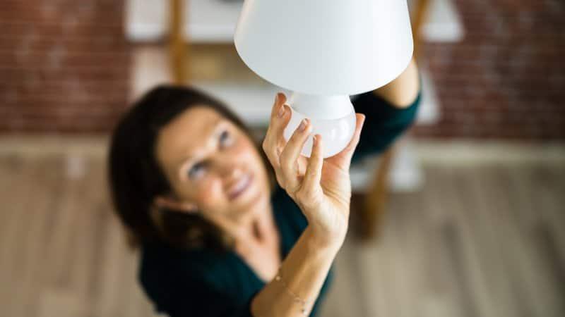 Changing LED Light (Photo by Andrey Popov - stock.adobe.com)