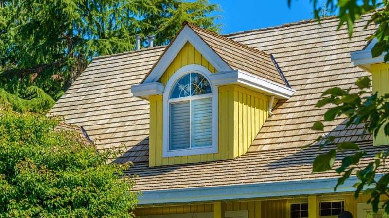 Wood shake roof (Photo by karamysh - stock.adobe.com)