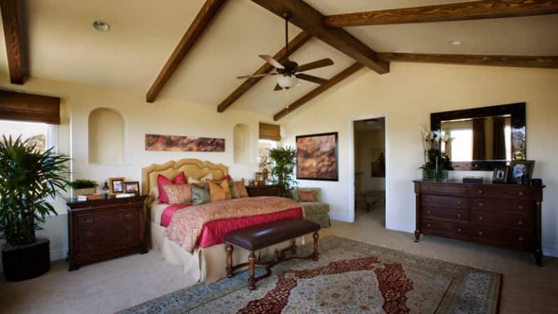 Large contemporary primary bedroom (Photo by ©   LOOK Photography/Getty Images )
