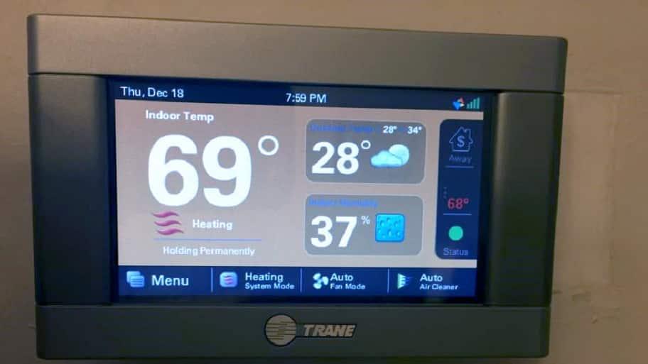 A digital thermostat