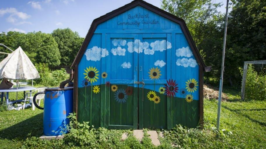 shed, garden, water barrel