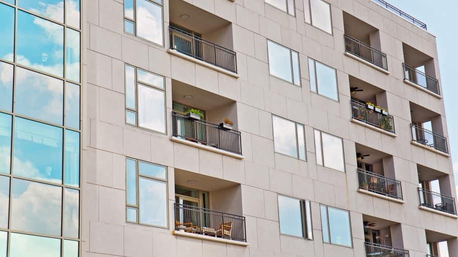 apartment building exterior (Photo by Eldon Lindsay)