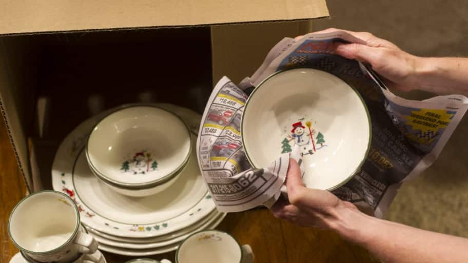 packing holiday dishes, christmas dishes