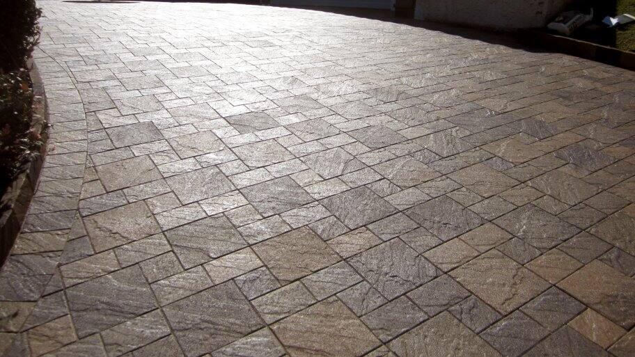 newly sealed paver driveway