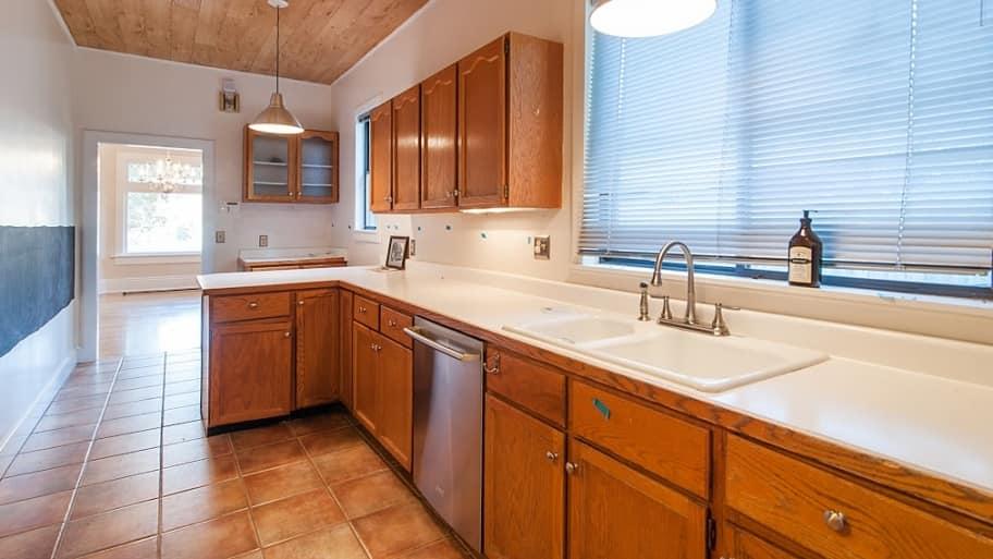 kitchen pre-remodel
