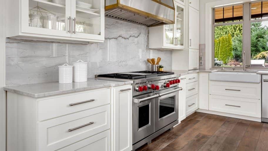 Modern kitchen with quartz backsplash