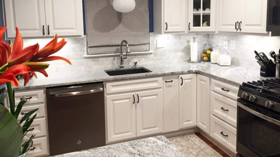 It Cost To Paint Kitchen Cabinets, How Much Do The Average Kitchen Cabinets Cost