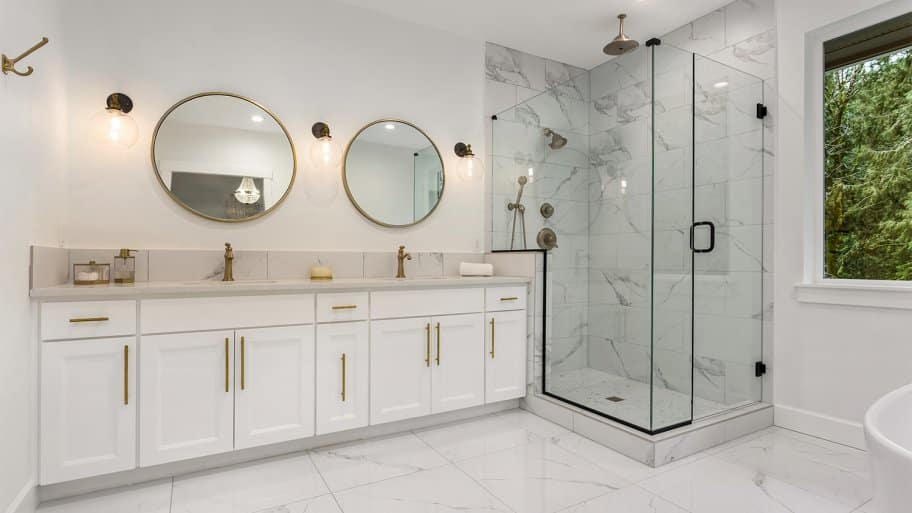 Modern bathroom with marble tiles