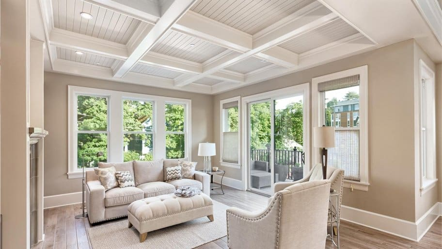 Coffered ceiling in luxury living room (Photo by bmak - stock.adobe.com )