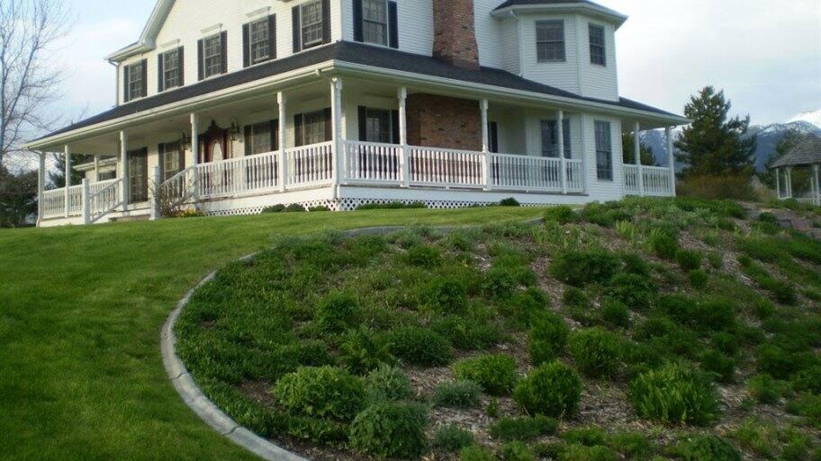 wrap around porch, country house, farmhouse