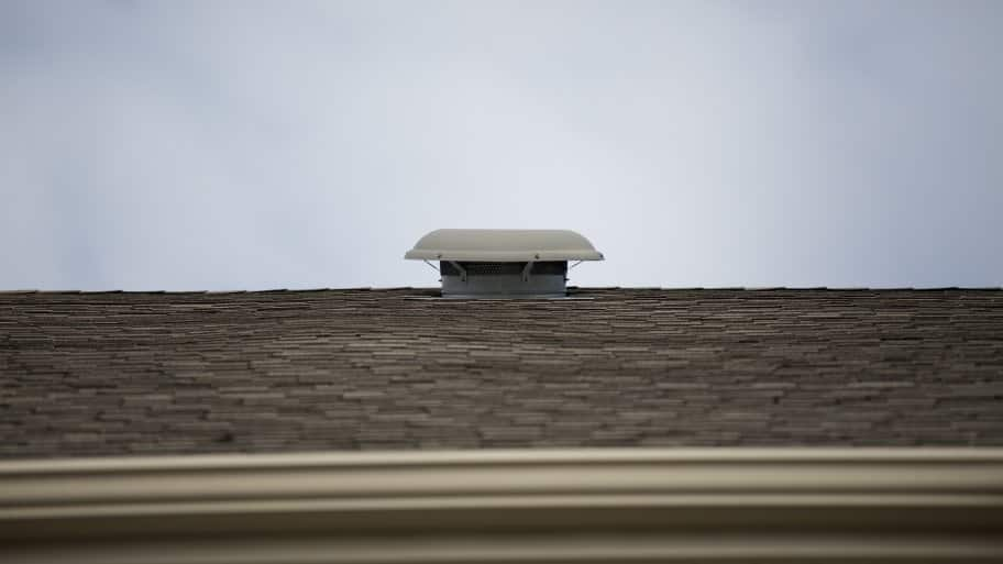 roof with vent