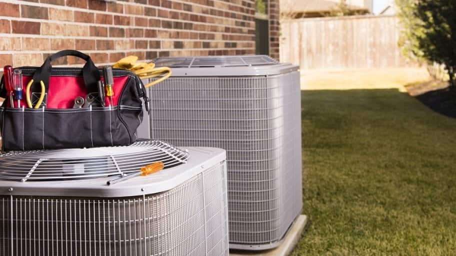 tools on top of ac unit (Photo by fstop123/ iStock / Getty Images Plus via Getty Images)