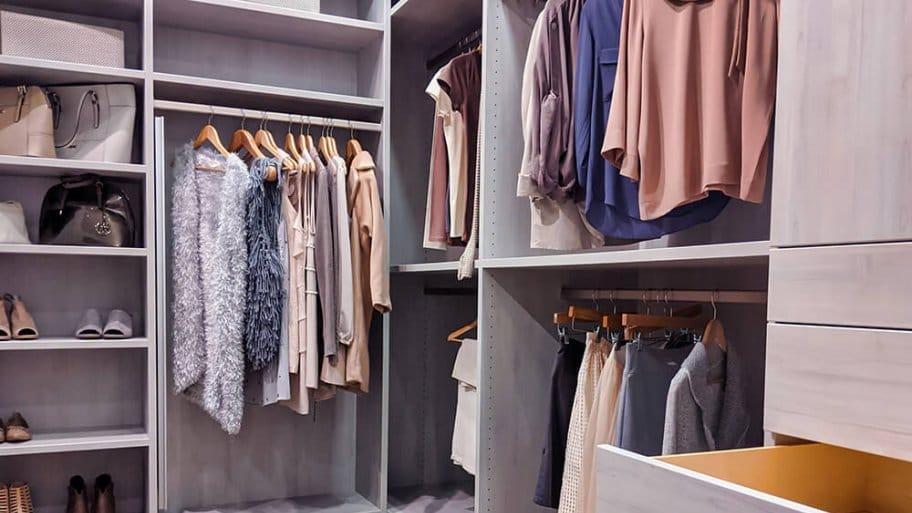 Well organized modern walk in closet