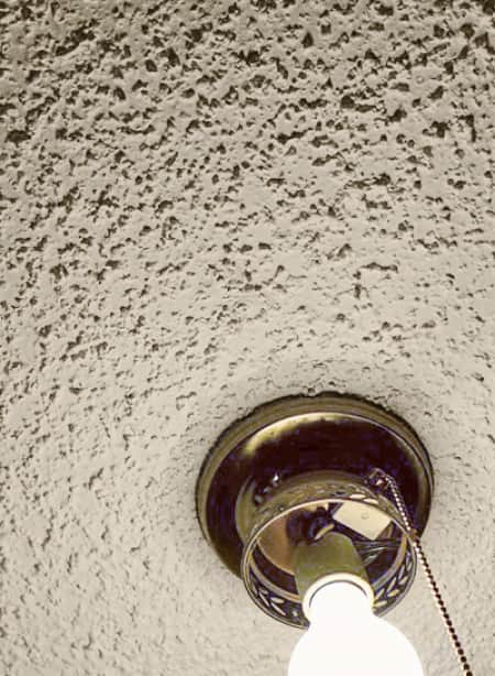popcorn ceiling with light fixture