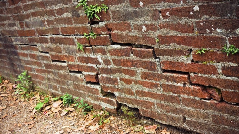 cracks in brick foundation